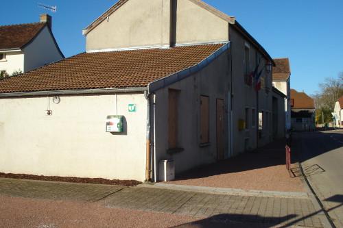 defibrilateur-parking-mairie-500